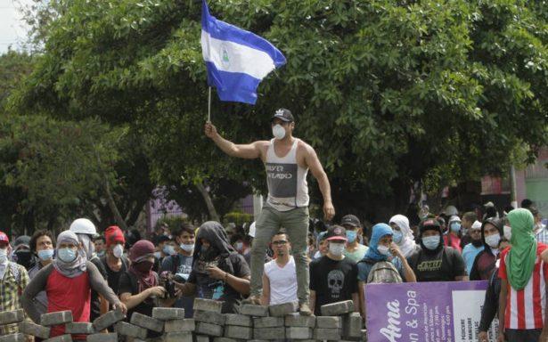 Daniel Ortega anuncia diálogo tras protestas que dejaron 10 muertos en Nicaragua