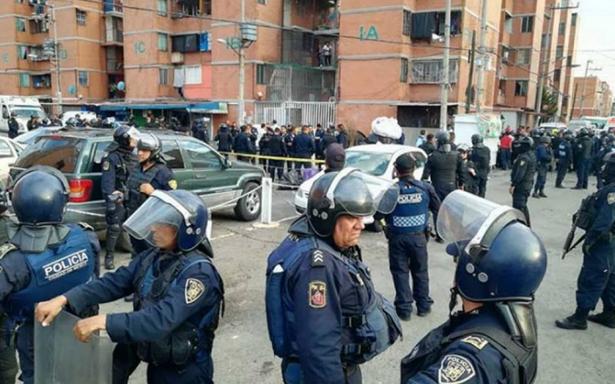 AsA� ocurriA? la balacera desatada por un intento de robo en unidad de Iztapalapa