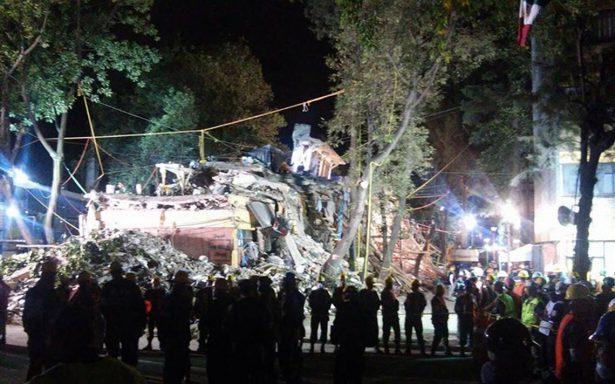 Sigue la esperanza: esperan rescate de dos personas en multifamiliar de Tlalpan