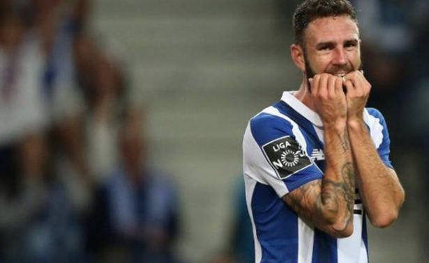 Miguel Layún se perderá el inicio de la Liga portuguesa