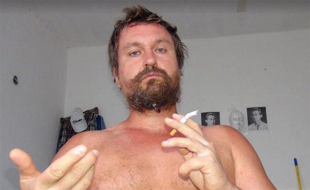 Por agredir a mexicanos en Cancún, linchan a #LordNaziRuso, fallece joven apuñalado