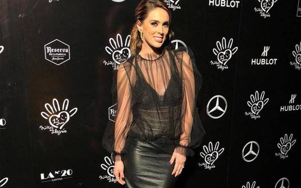 """Jacqueline Bracamontes se incorpora al programa """"Netas Divinas"""""""