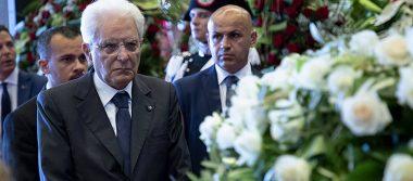 Italiadespide a víctimas del puente en Génova con funeral de Estado