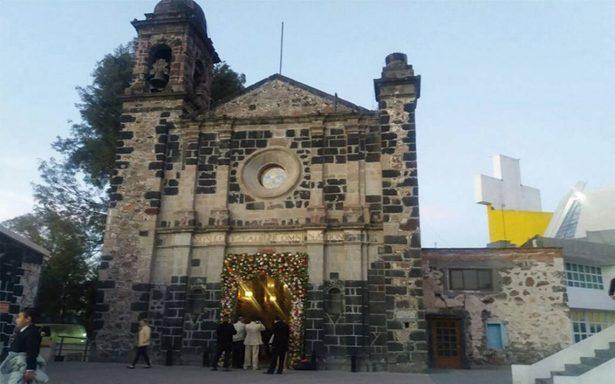 Peregrinos celebran a la Virgen en la casa de San Juan Diego