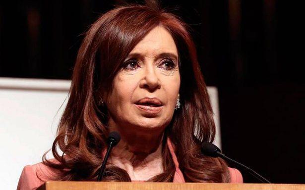 Cristina Fernández, a juicio por presunto encubrimiento de terroristas
