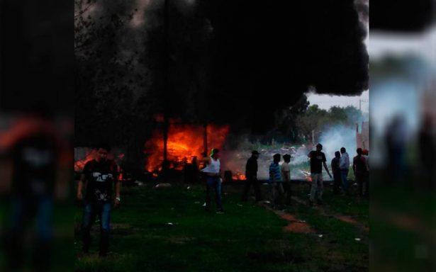 Reportan explosión de dos polvorines en Tultepec; hay varios heridos