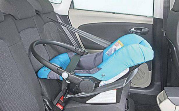Papá olvida llevar a su bebé a la guardería, la deja en el auto y muere por el calor