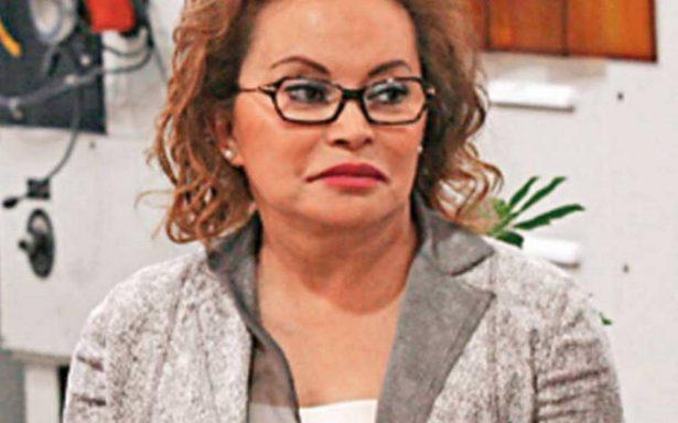Elba Esther reaparece en el arranque del nuevo modelo educativo