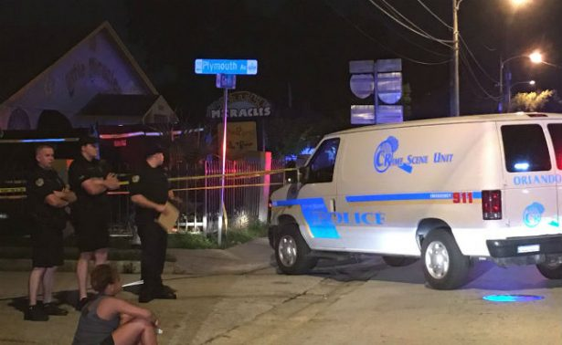 Hallan muerto a niño tras 11 horas encerrado en camioneta de guardería