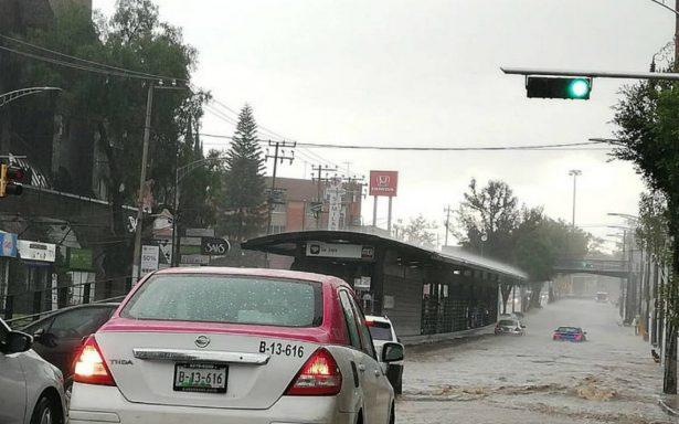 Lluvia afecta a toda la CDMX, complica tránsito en Tlalpan y Cuajimalpa