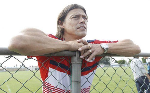 Sin refuerzos importantes, Almeyda no ve futuro con Chivas