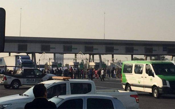 [Video] Circuito Exterior Mexiquense continúa bloqueado por manifestantes