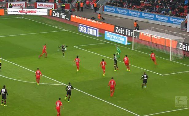 [Video] ChichaDios le regala a los mortales el mejor gol de la semana