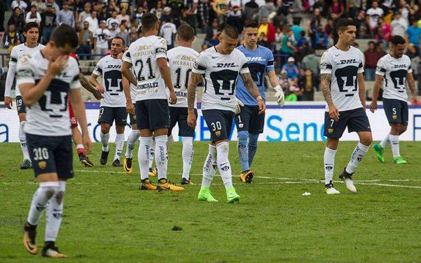 Afición de Pumas pide el regreso de Memo Vázquez