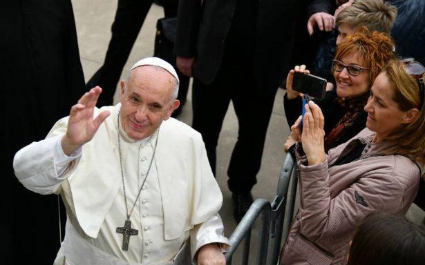 Papa Francisco expresa su cercanía a Ecuador tras asesinato de equipo periodístico