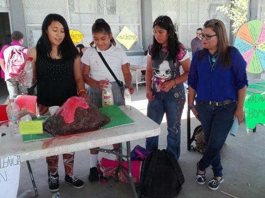 Participan alumnos de la Fora # 3 en la Feria de la ciencia