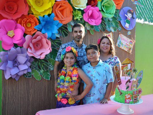 Fiesta hawaiana para Daniela y Salvador