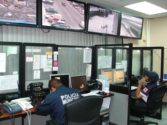 Reportar a personas sospechosas rondando colonias al  911