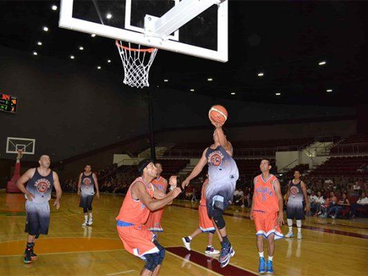 Se enfrentan Raptors contra Rebeldes en el baloncesto municipal