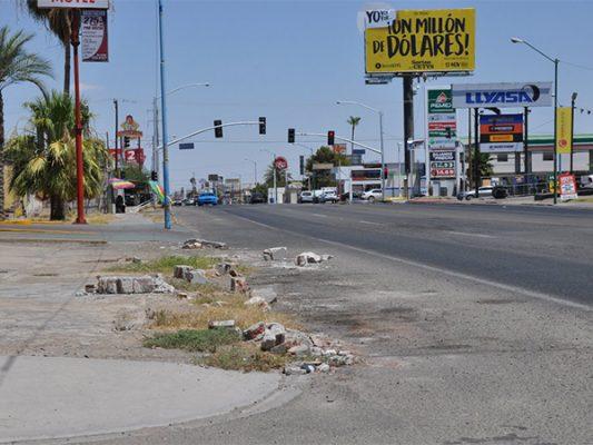 Escombro en la calle principal