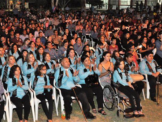 Gradúan entusiastas de Cecati 124