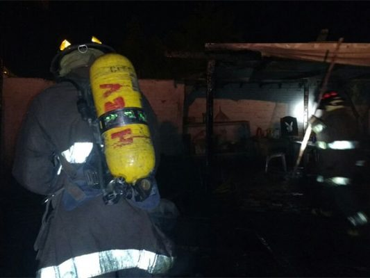 Movilizan dos incendios a Bomberos en la ciudad y el Valle