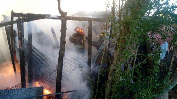 Se incendia vivienda por corto circuito