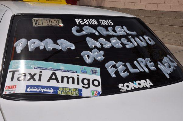 Exigen taxistas justicia por compañero asesinado