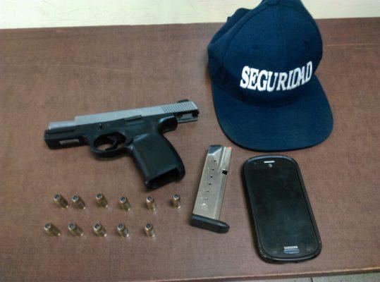 Detienen a guardia de seguridad con pistola escuadra sin permiso