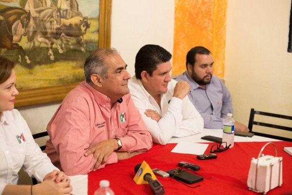 Quien empadrona automóviles ilegales realiza un acto ilegal: Gilberto Gutiérrez