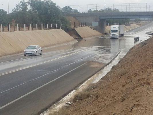 Se inunda paso desnivel en puente Cucapah