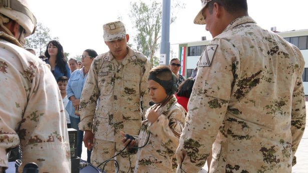 Militares cumplen deseo de niño de ser soldado,gracias al 22vo. Regimiento