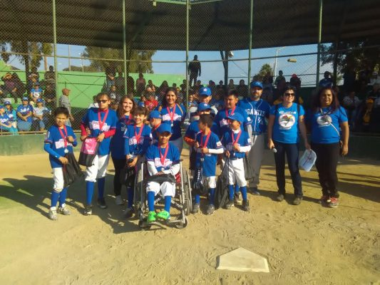 Triunfan Grandes Estrellas en torneo regional de béisbol por la inclusión