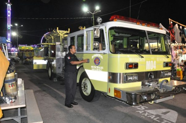 Presentan bombera nueva a la comunidad