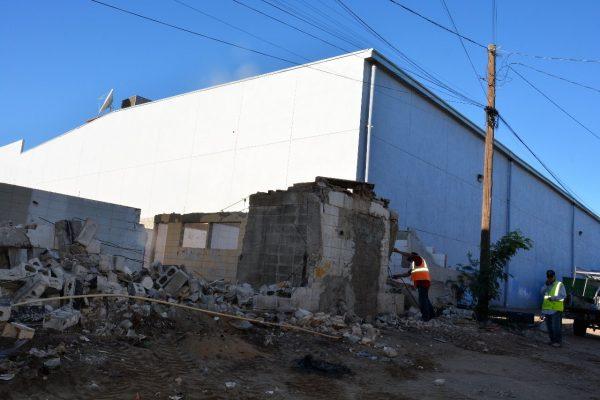 Destruyen construcción