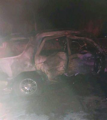 Mujer muere en accidente carretero, cinco personas están graves en el hospital