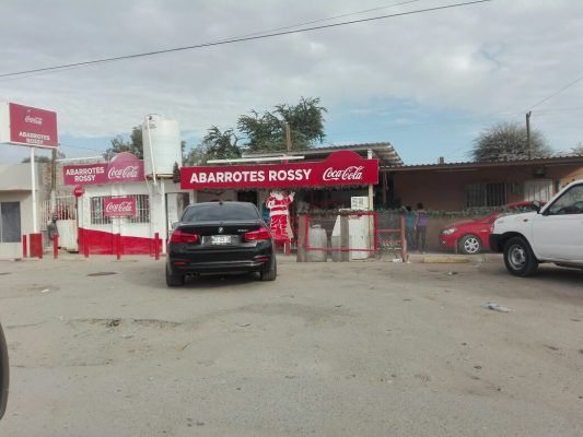 """Tres """"Cholos"""" asaltaron lejana tienda carretera a Mexicali"""
