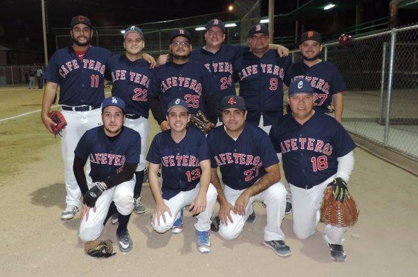 Iniciaron los playoff del softbol varonil novatos