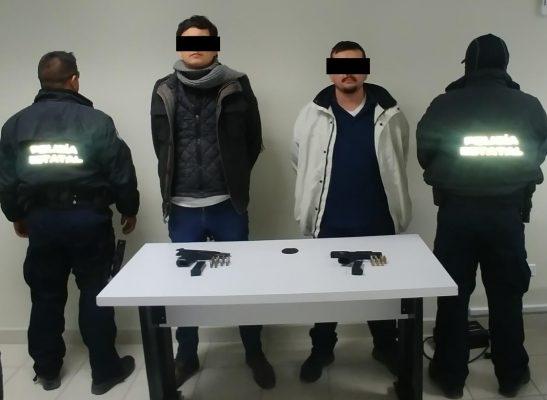 Hombres armados amenazan a policías estatales