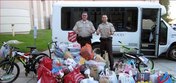 Hace Sheriff Navidad especial para niños