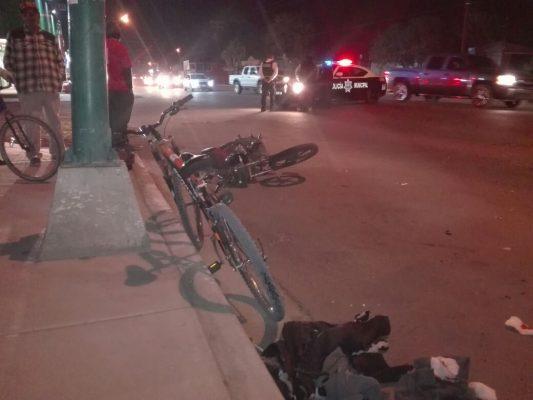 Ciclista y motociclista heridos al protagonizar choque en transitado crucero