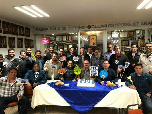 Festejan cumpleaños a Raúl González