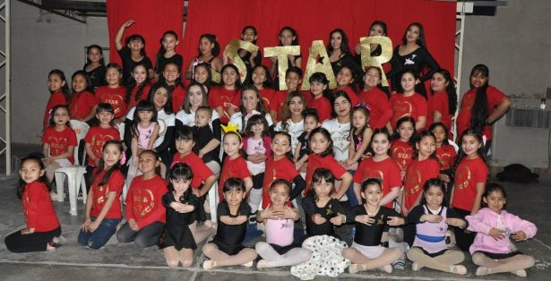 Colorido festival  de Star academia