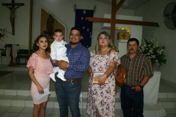 Aarón Damián Recibe bautismo