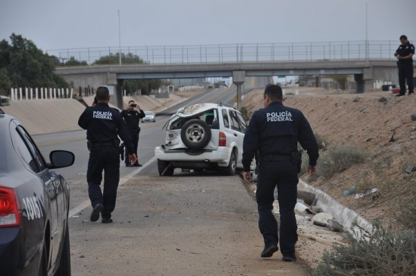 Madre y bebé pierden la vida en accidente vehicular