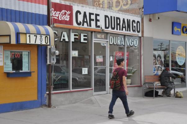 Café durango atendido por María, desde hace 35 años en el centro