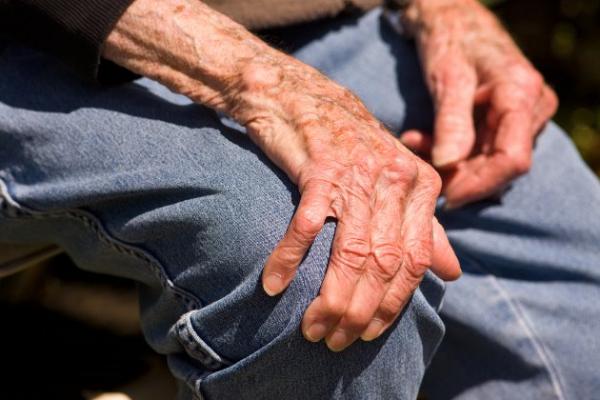 Párkinson afecta  a personas mayores