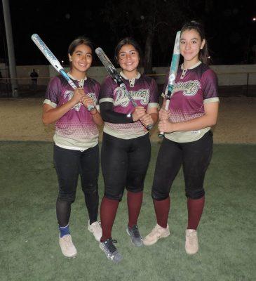Dinasty mejores en los resultados de los playoff softbol femenil intermedias