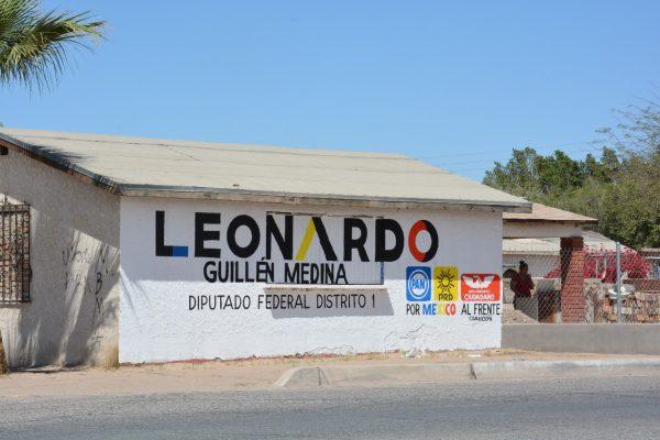 Leonardo Guillen viola regulación al pintar bardas