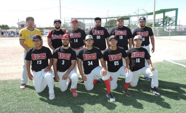 Ricos gana en la primera jornada de los playoff del softbol dominical categoría mixtos